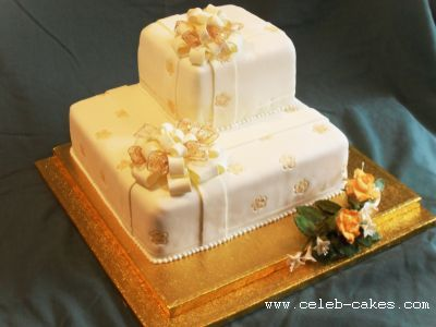 Golden Bow Cake1