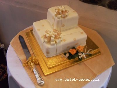 Golden Bow Cake2